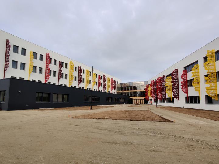Le lycée Saint-François-d'Assise : un vaste terrain de jeu