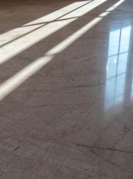 entretien des sols en marbre et pierres calcaires